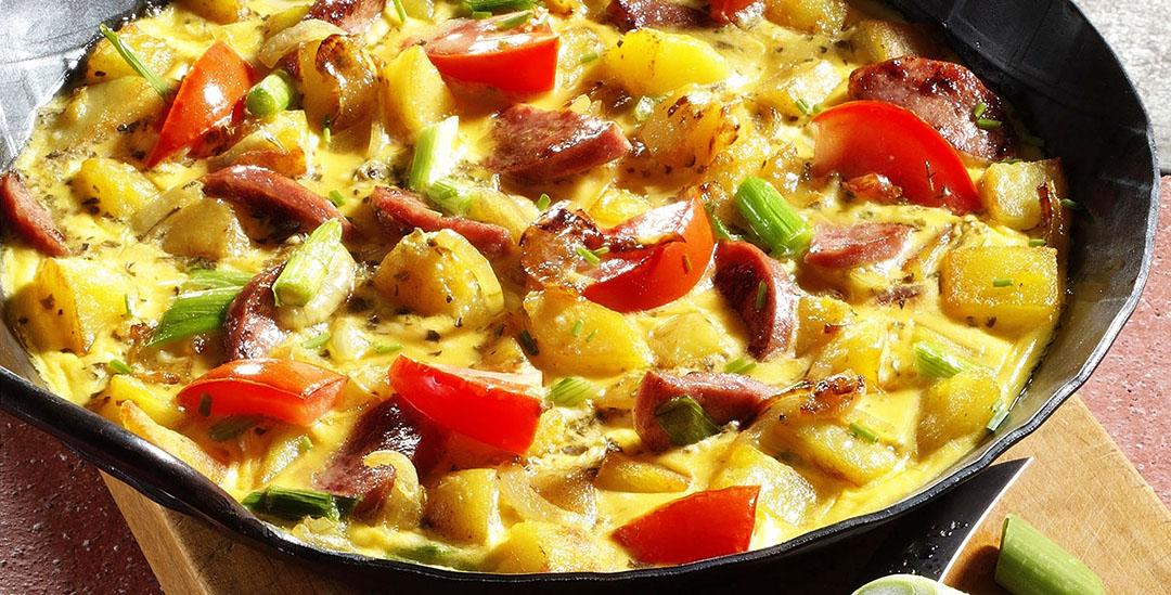 Kartoffel-Omlette mit Wurst